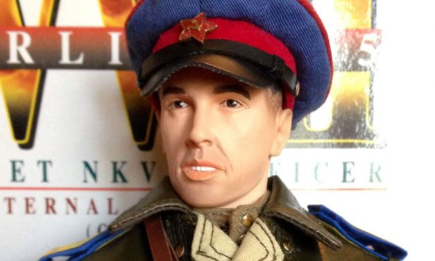"Dragon ""Alexei Petrovich Komarov"" – WW2 Soviet NKVD Officer [Review]"